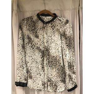 DKNY Small leopard black and white blouse! Lovely!